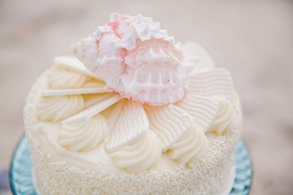 Beach wedding cake | Photo by Erika Parker