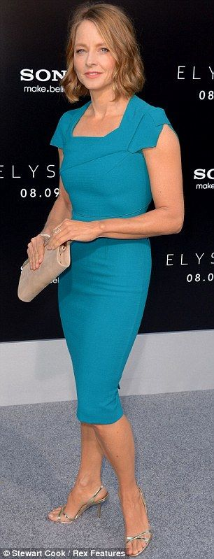 Simple Yet Chic The Star Teamed Her Ed Teal Frock With A Pair Of Short