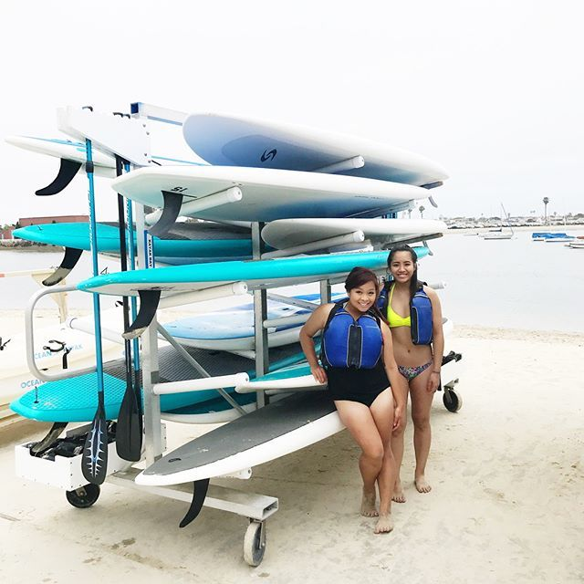 Conquered one of my H2O fears! Always wanted to paddle board but haven't had the balls to cause I'm that afraid of the water--And especially since it's a solo watersport. (Don't ever throw me out in the water by myself. I'll cry 🤣) Thank you Terry for pushing me to do it because I'm glad I did. So relaxing and such an arm workout hahah.  Now time to conquer all the other water sports and learn how to swim 🤣  Never have I been comfortable exposing my legs like this cause I naturally have…