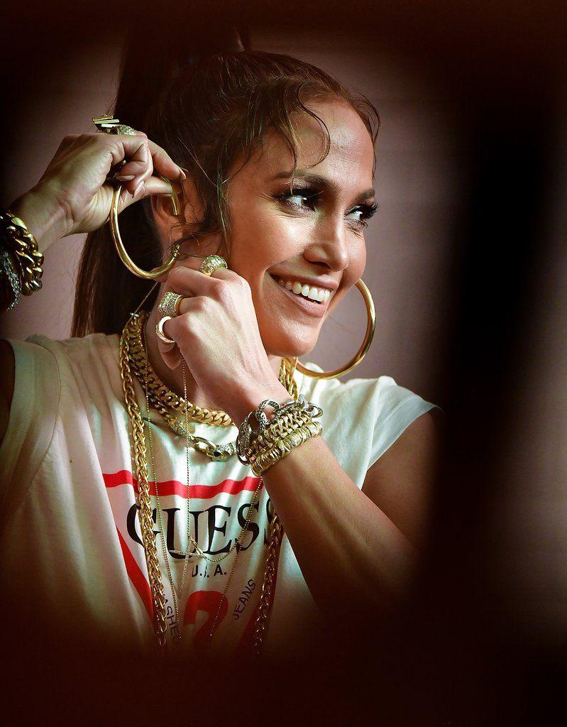 Jennifer Lopez Rocks Beladora Rings And Bracelets In Her New Music Video Amor Vintage Jewelry Jlo