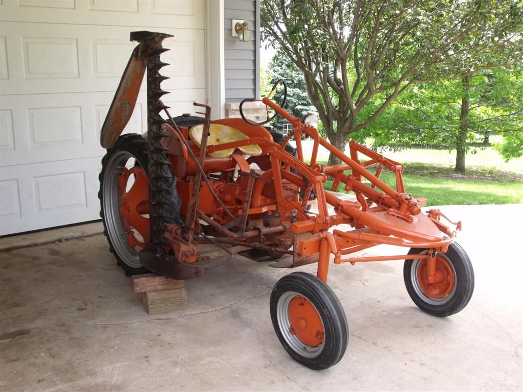 Allis Chalmers G with No 4 sickle bar mower | A few of my