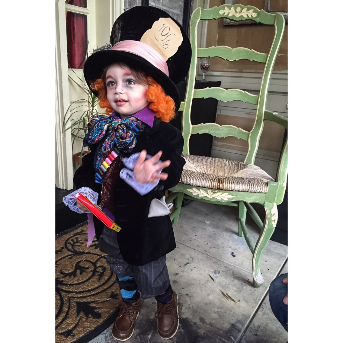 DIY Mad Hatter Tim Burton Alice In Wonderland toddler costume