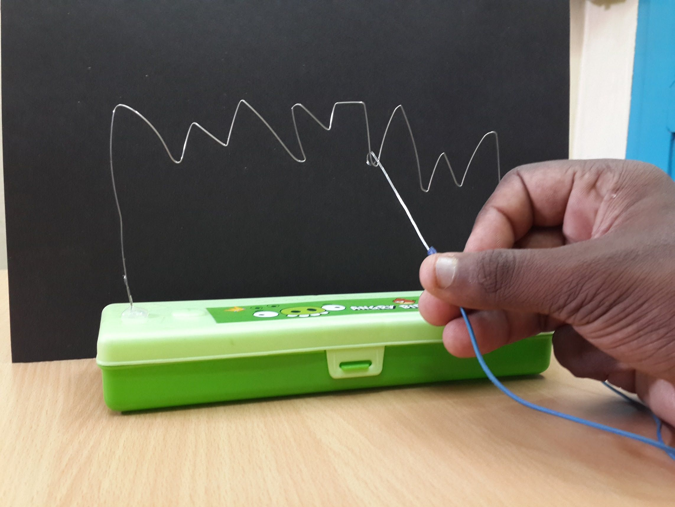 How To Make A Mini Diy Buzz Wire Game That Really Works Conductive Glue And Circuit Hlt Kids Pinterest