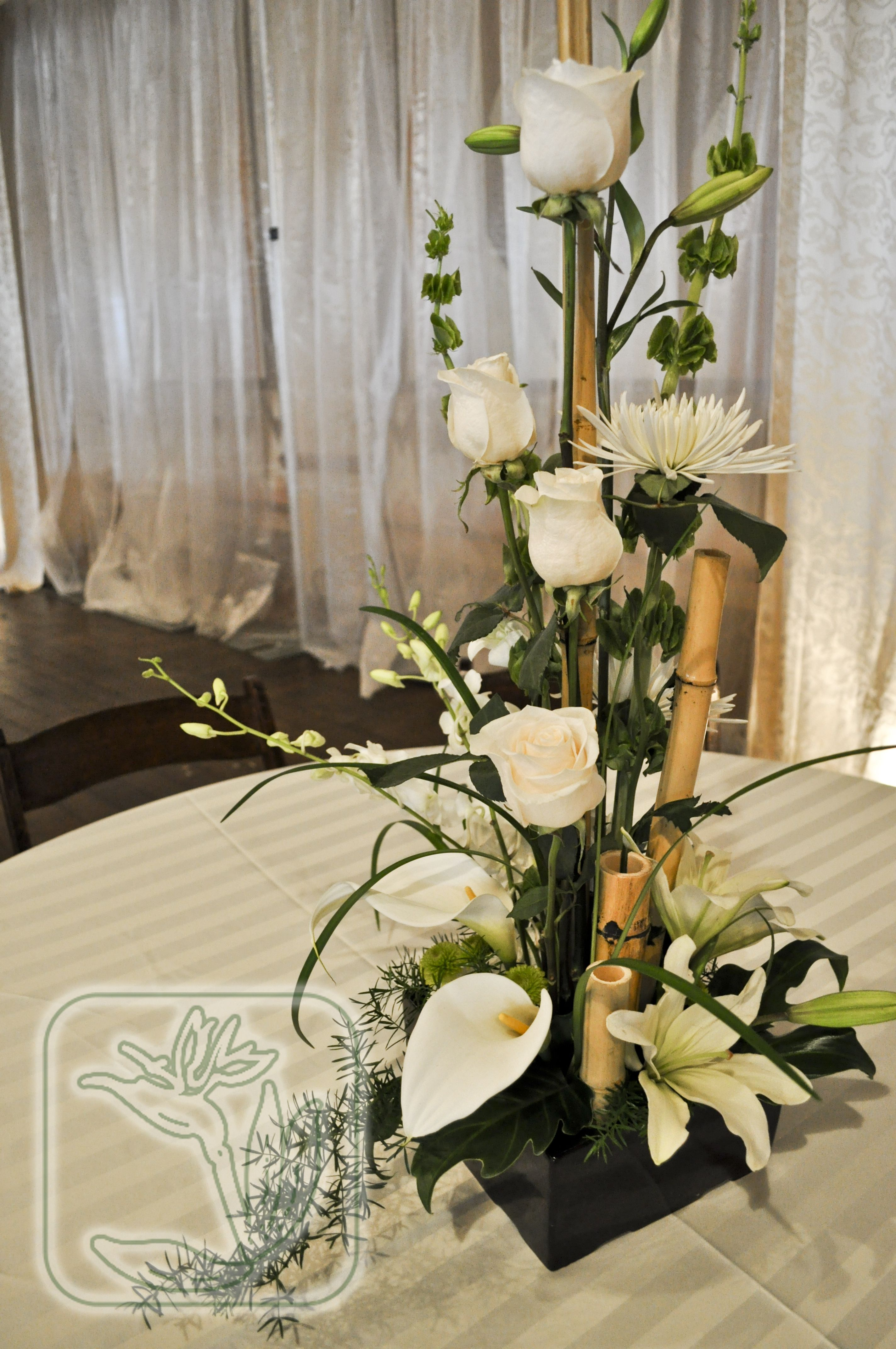 Utah Weddingevent Dinner Table Centerpiece White And Green Flowers