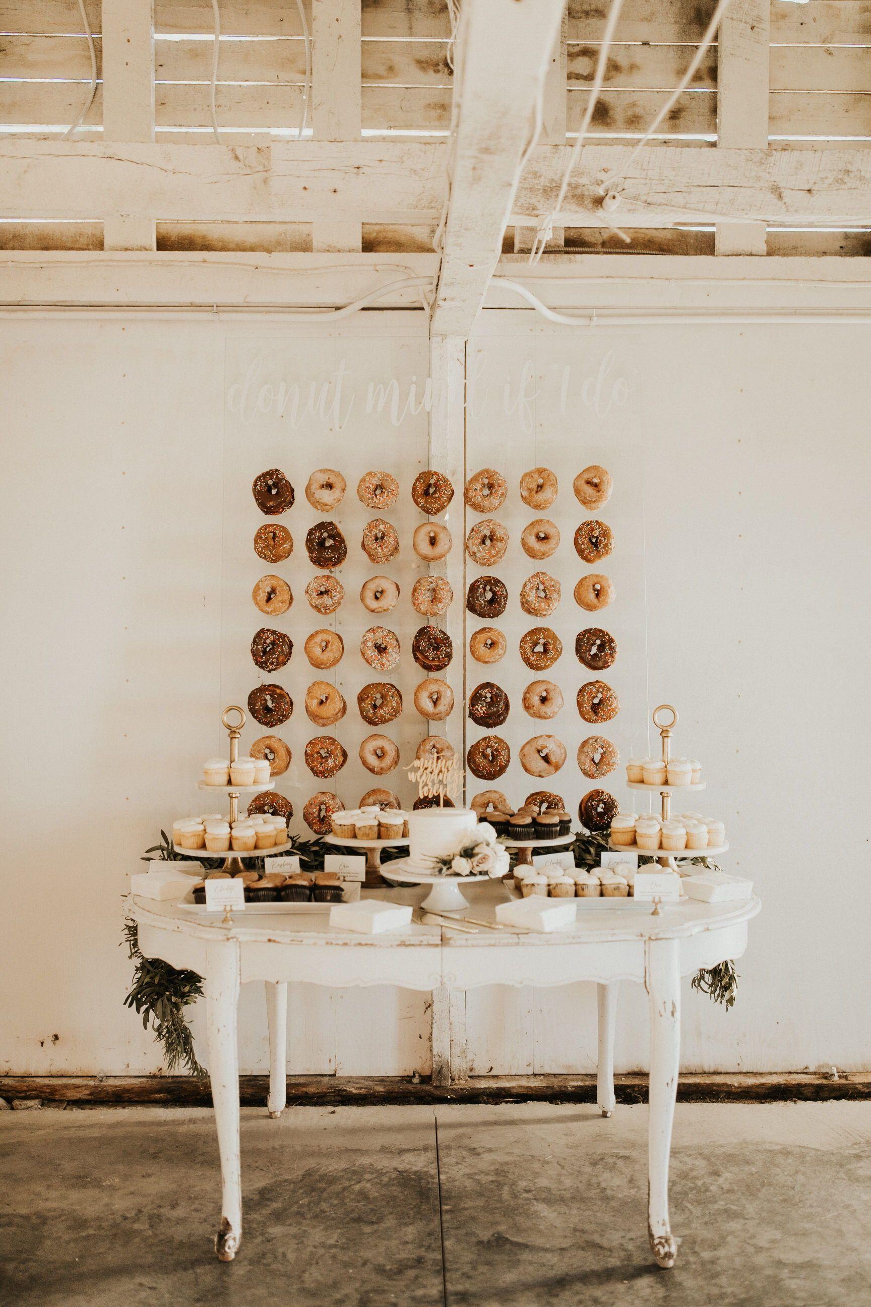 Hidden Meadow Barn Wedding in 2020   Wisconsin wedding ...