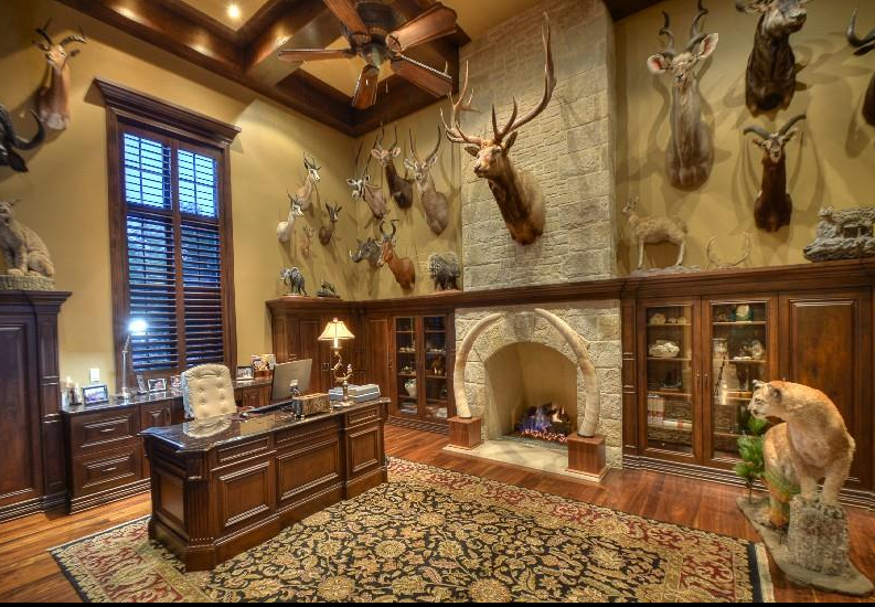 Hunting Man Cave Decor