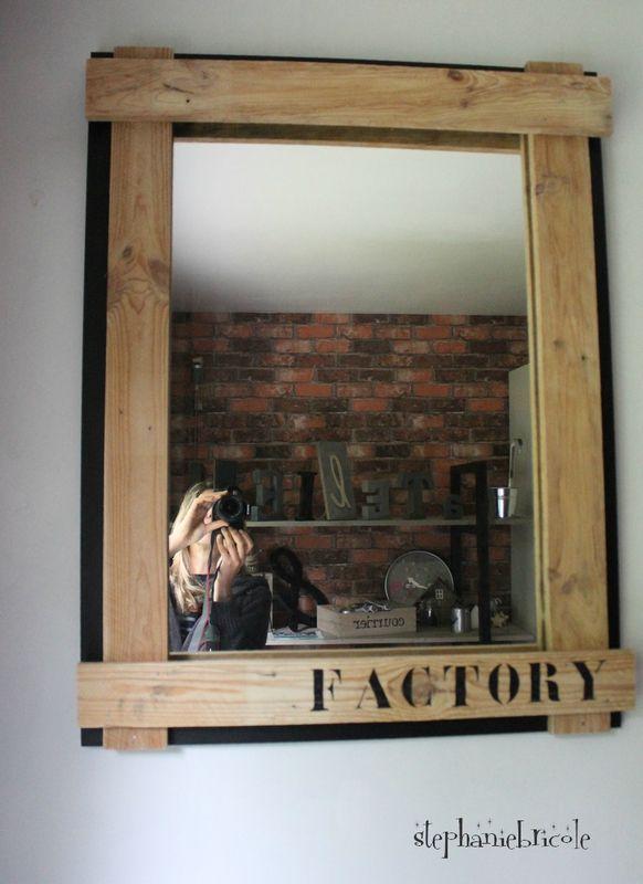diy deco recup industrielle relooker un miroir avec du bois de palettes rugs mats. Black Bedroom Furniture Sets. Home Design Ideas