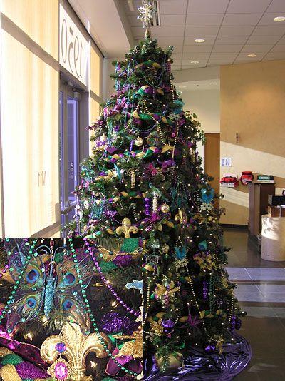 mardi gras christmas tree, perfect for the louisiana transplant!! - Holiday Decor €� Christmas {part 1} I Love Cajun Country Mardi