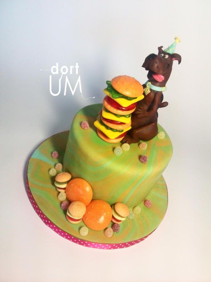 Scooby Doo loves hamburgers :D by sarka finsterlova