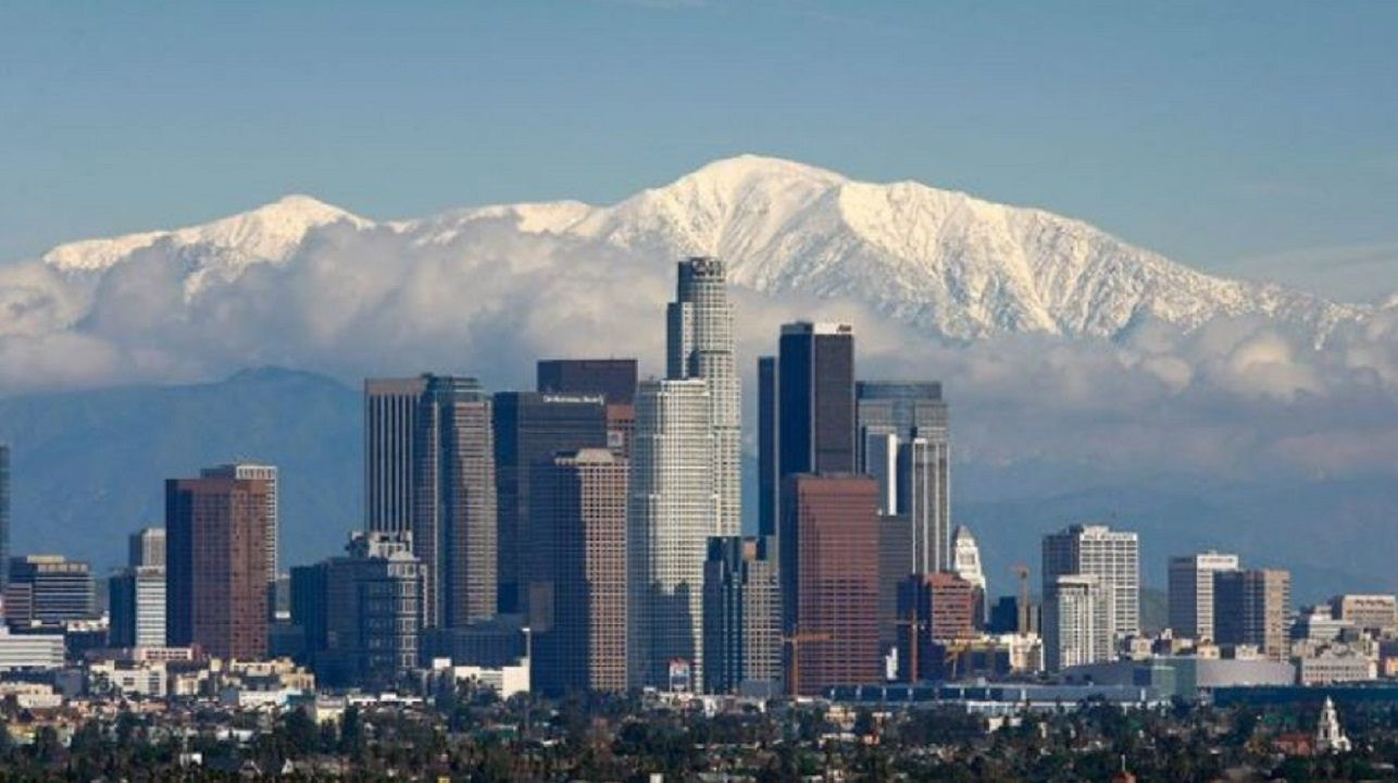 Los Angeles Officially Declares Itself A City Of Sanctuary Fox News Los Angeles Officially De Visit Los Angeles San Gabriel Mountains Downtown Los Angeles