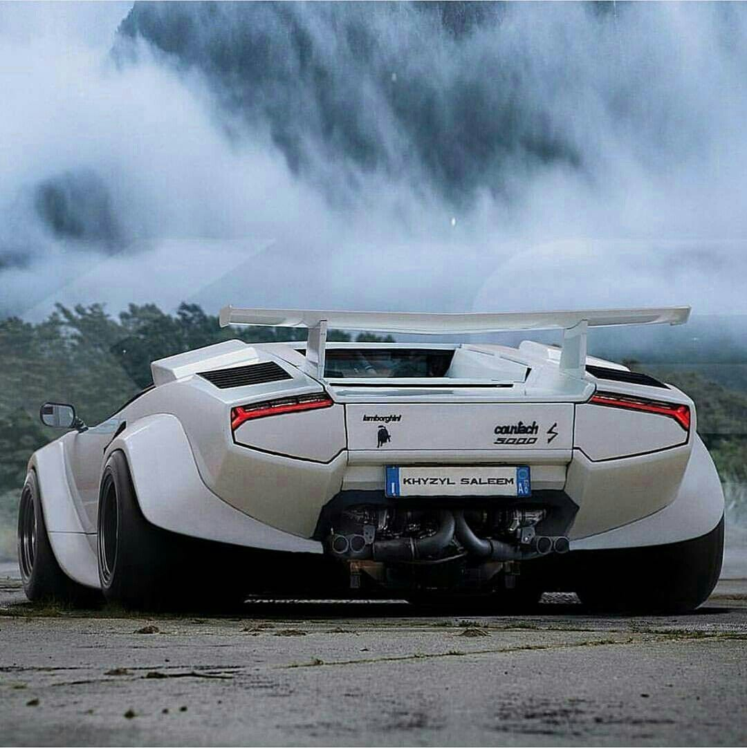 Lamborghini Countach With A Wide Body Kit Awesome Cars