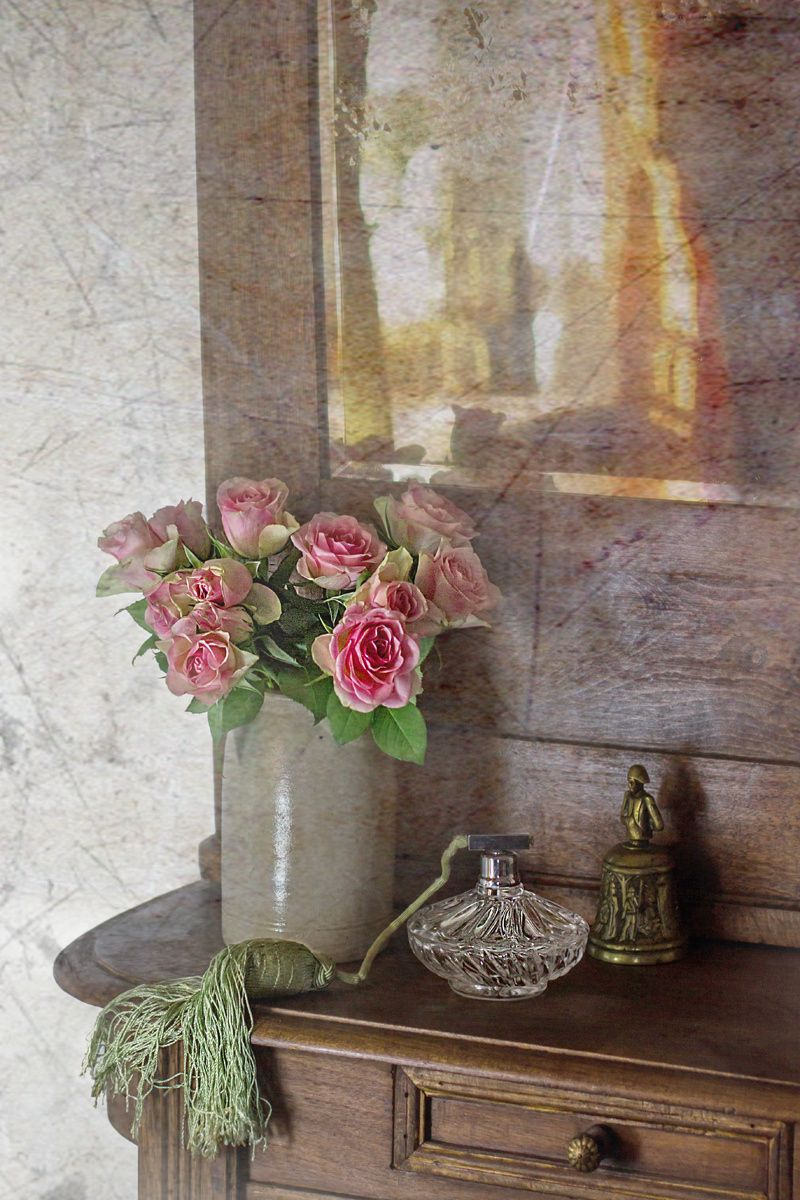 Old stuff and roses by Rucsandra Calin on 500px
