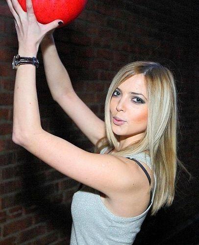 Anastasiya Karpova, singer - Russian Personalities ...