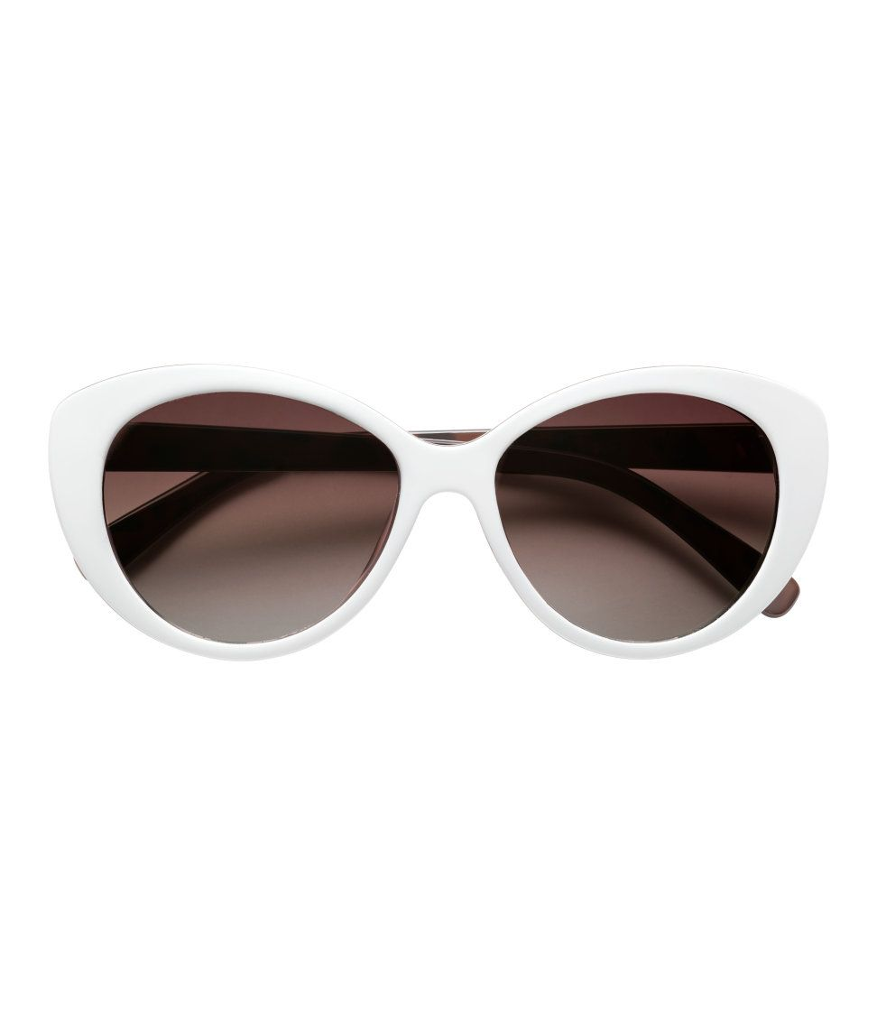 b296180381f5d Sunglasses with tinted lenses.