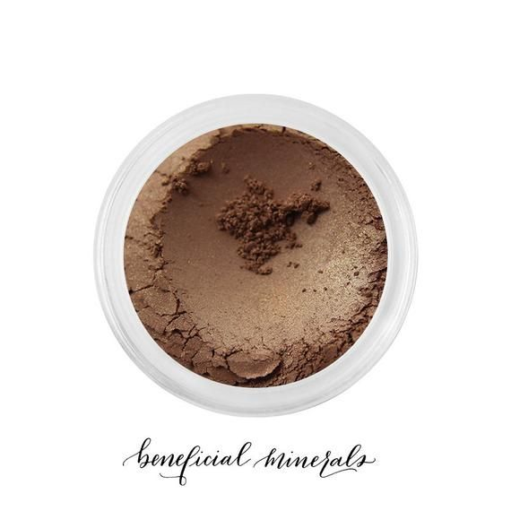Golden Sable - Mineral Eyeshadow // Eyeshadow // Mineral Makeup // Brown Eyeshadow // Gold Makeup // Makeup Eyeshadow // Bronzer #browneyeshadow