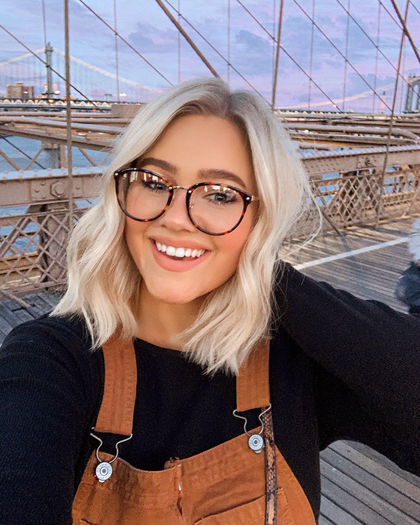Brooklyn Bridge Selfie / Short Hair Goals / Glasses – Bre Sheppard #bresheppard