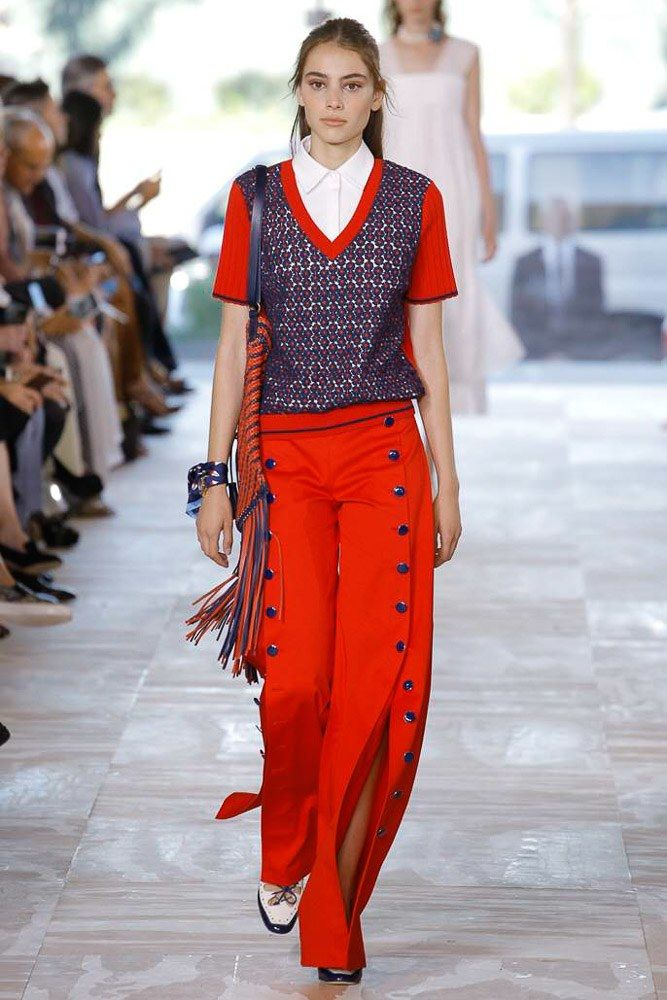 Tory Burch Spring 2017 Ready-to-Wear Fashion Show - Romy Schoenberg