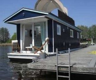 m ritz hausboot forelle hausboote shanty boat floating house und water house. Black Bedroom Furniture Sets. Home Design Ideas