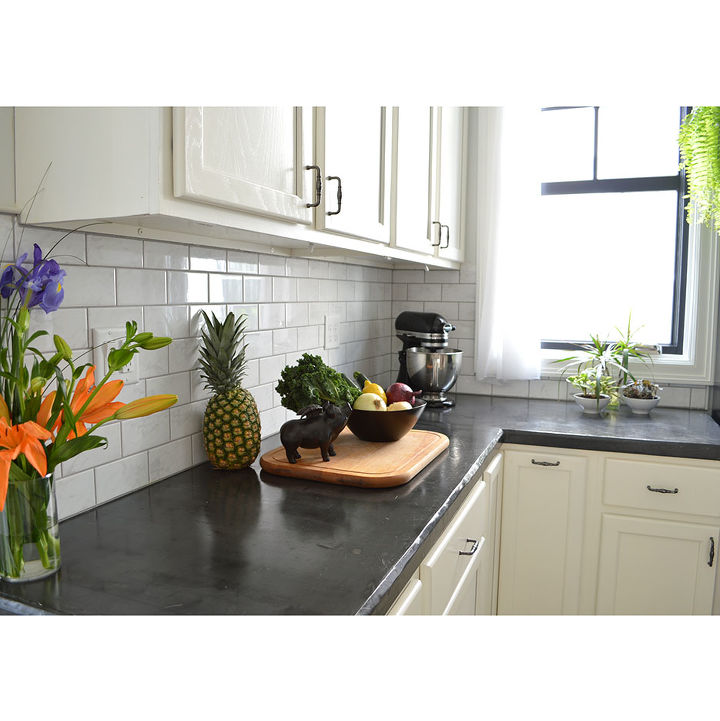 Easy DIY Concrete Counters: The Missing Link. #countertop