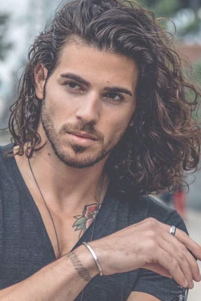 Long Wavy Hair Wavyhairmen Wavyhair Wavy Hair Men Styles Are What You Are Looking For In The Following Gu Wavy Hair Men Hot Hair Styles Long Hair Styles Men