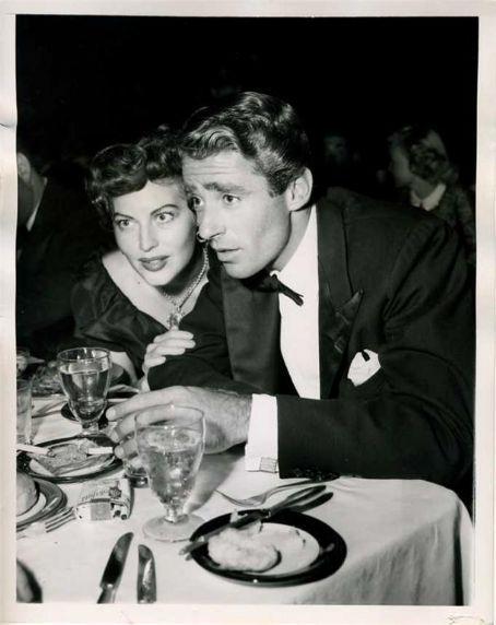 avasgal   Old hollywood stars, Ava gardner, Peter lawford