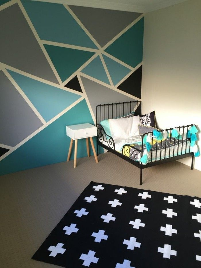 Idee muster wandschrank unregelm ige dreiecke in vier for Farben jugendzimmer