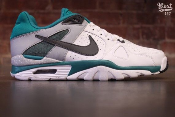 new arrival d0ddf 309cc Nike Air Trainer Classic Low