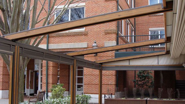 Gennius Awning   A Waterproof Retractable Patio Awning By Richard Rogers