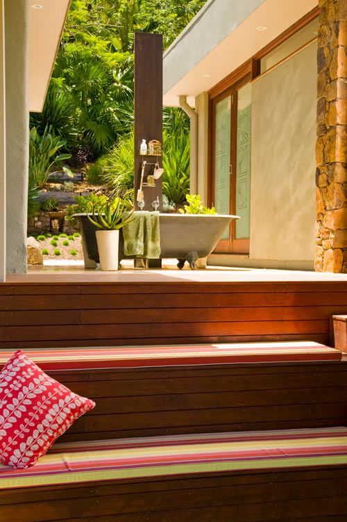 The Ultimate Luxury An Outdoor Clawfoot Tubsee The Full Inspiration Luxury Outdoor Bathrooms Decorating Inspiration