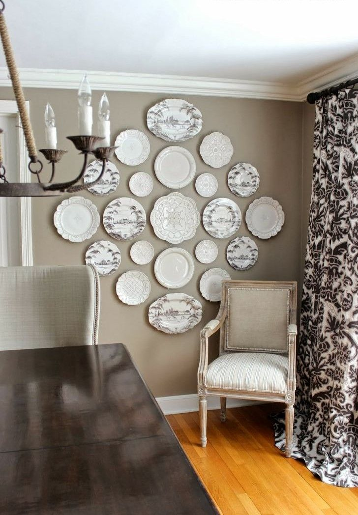 Piatti a parete riciclo creativo interior design for Decorazioni piatti