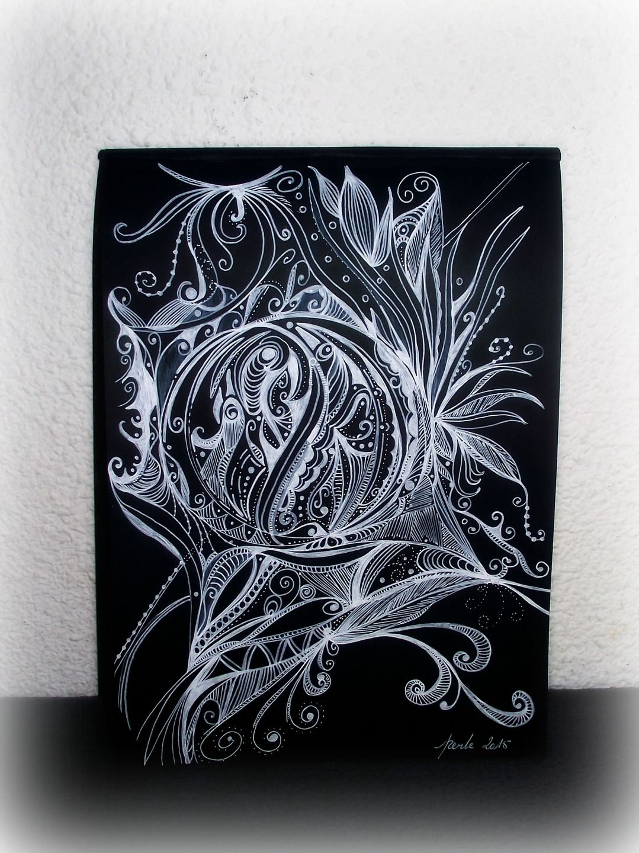 Imagine imaginaire feutre blanc sur papier noir for Dessin mural