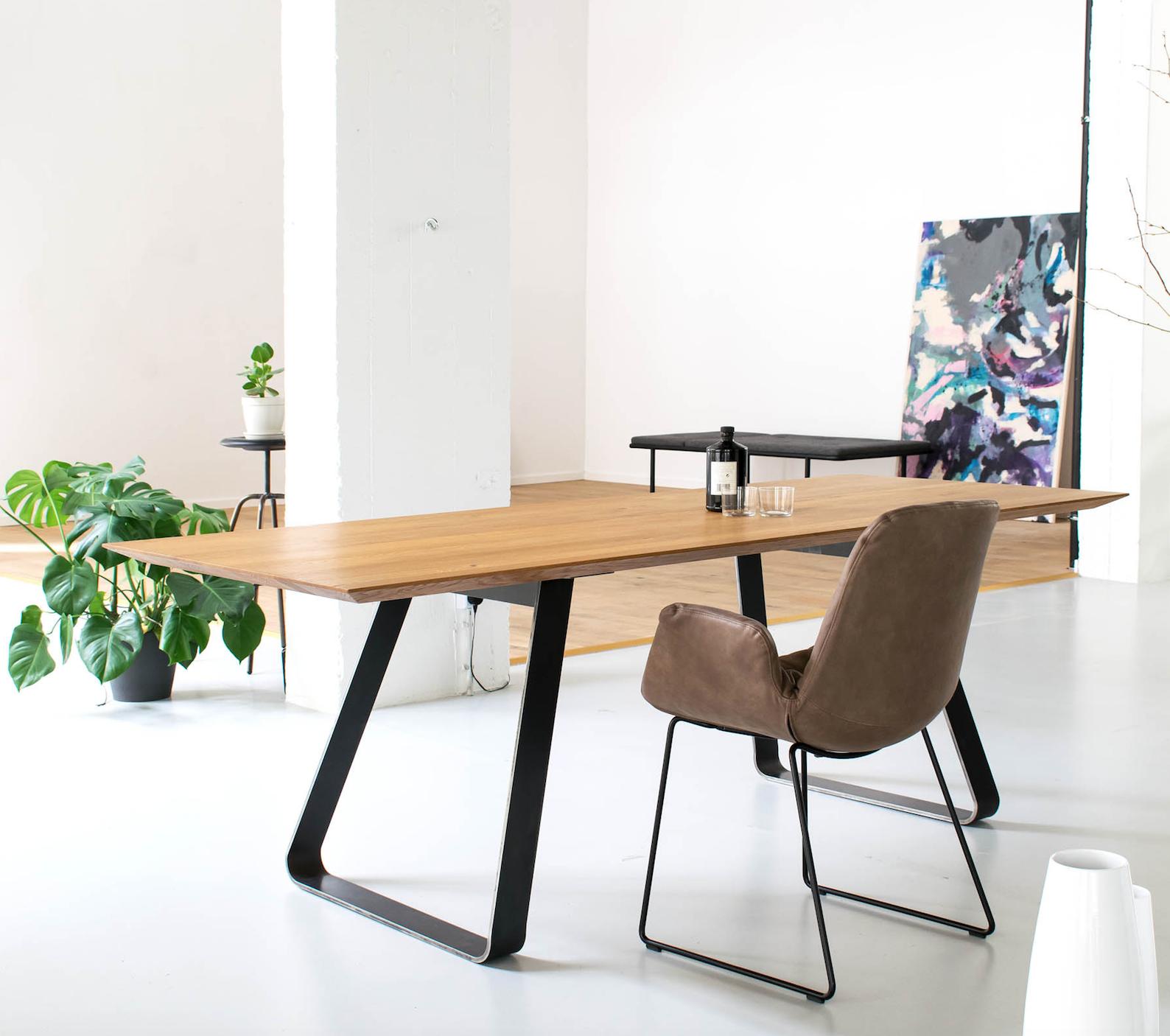 Brutus in 2020 Esstisch design, Tischbeine metall und