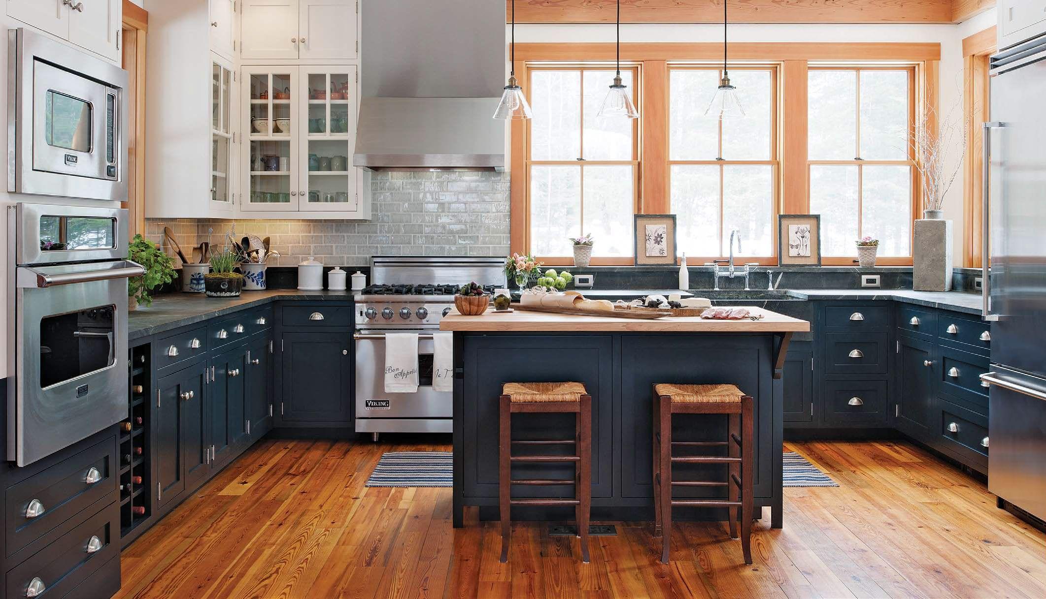 Look At Traffic Flow Storage Natural Colors And Daylight In This Slideshow Of Desig Modern Kitchen Design Kitchen Cabinet Design Transitional Kitchen Design