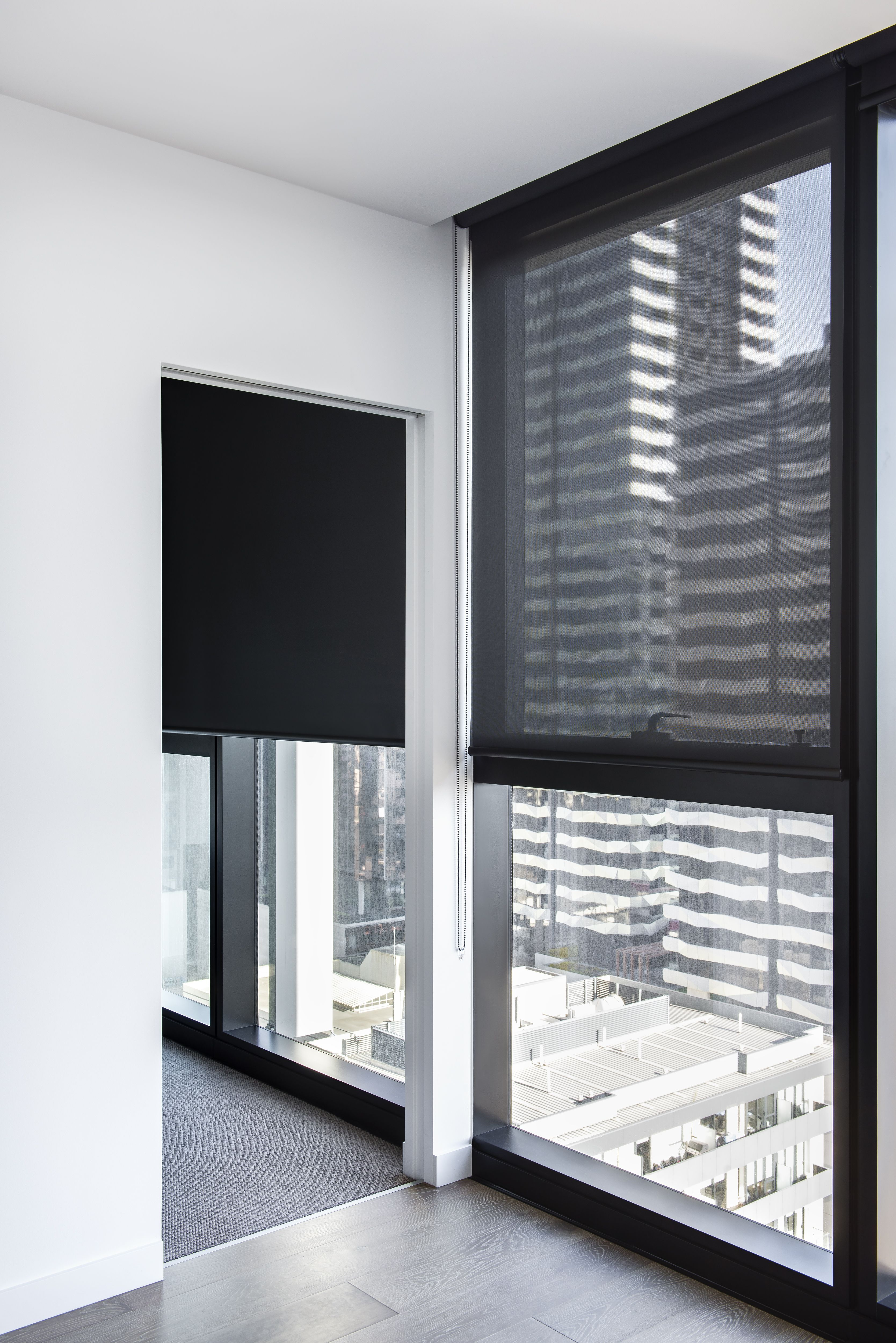 E Screen Blinds Single Roller Blinds In Solitaire Onyx Blockout Fabric Left