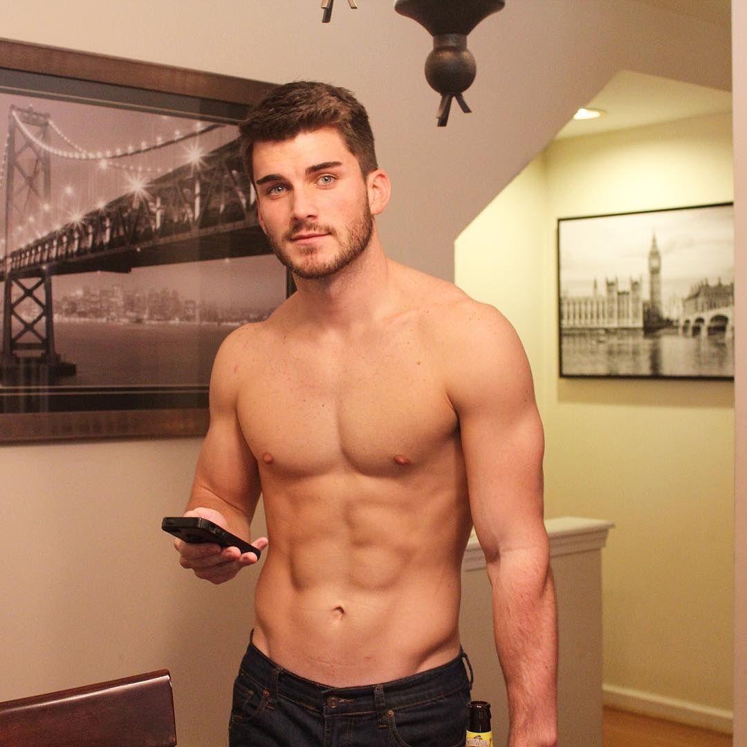 Photo   De Todo   Pinterest   Brooklyn bridge, Shirtless guys and ...