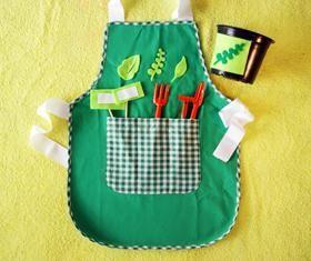 Kit infantil de jardinagem.