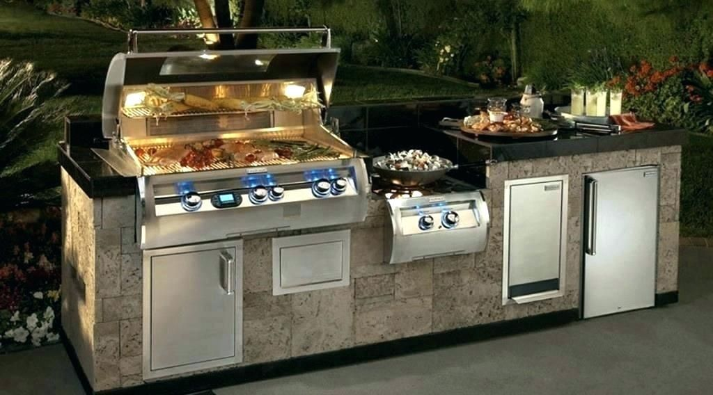 15 Outdoor Kitchen Ideas With Charcoal Grill Outdoor Kitchen Ideas For Small Spaces Small Outdoor Kitchens Outdoor Kitchen Outdoor Kitchen Design