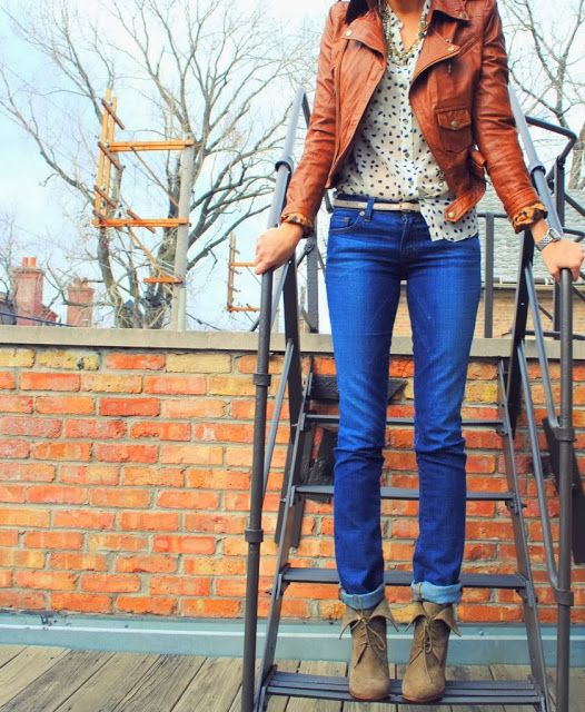 Casual Outfit With Jeans And Short Body Jacket