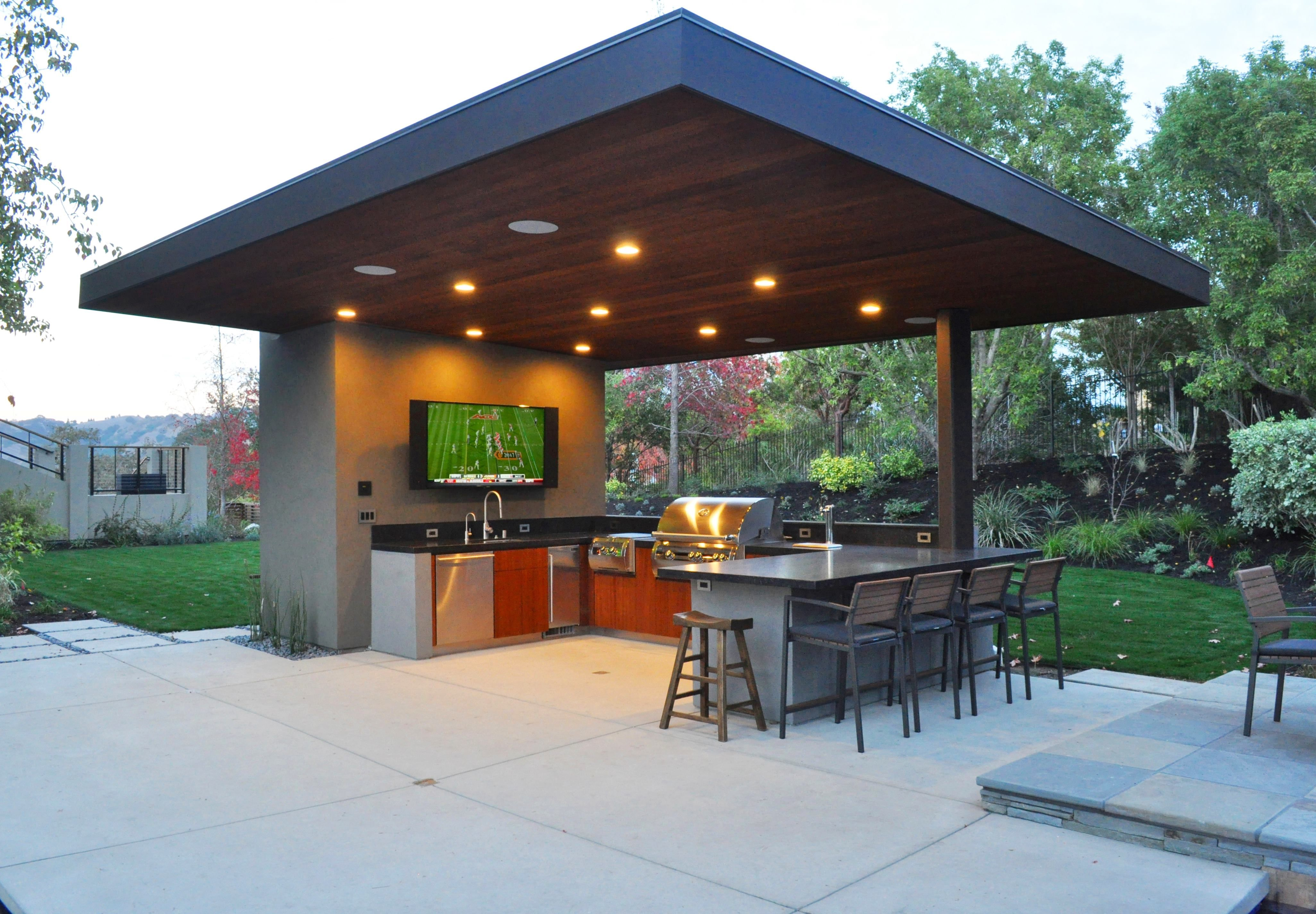 10 Outdoor Kitchen Designs We Love Outdoor Kitchen Design Outdoor Kitchen Design Layout Modern Outdoor Kitchen