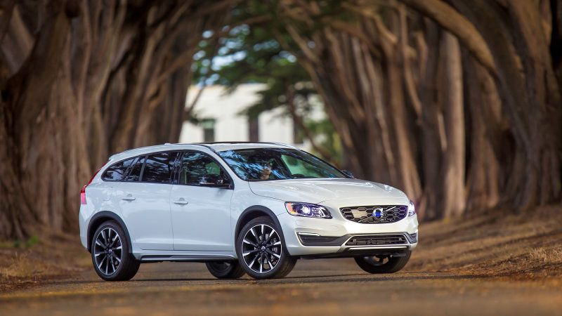 Volvo Recalls 2011 2017 S60 And V60 For Doors That Could Come Open Volvo Volvo S60 Side Door