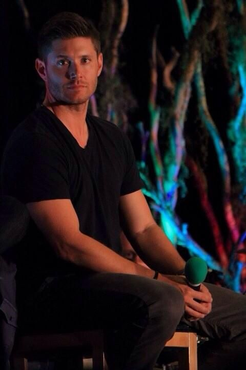 Jensen Ackles at #VanCon photo by dracopotter.
