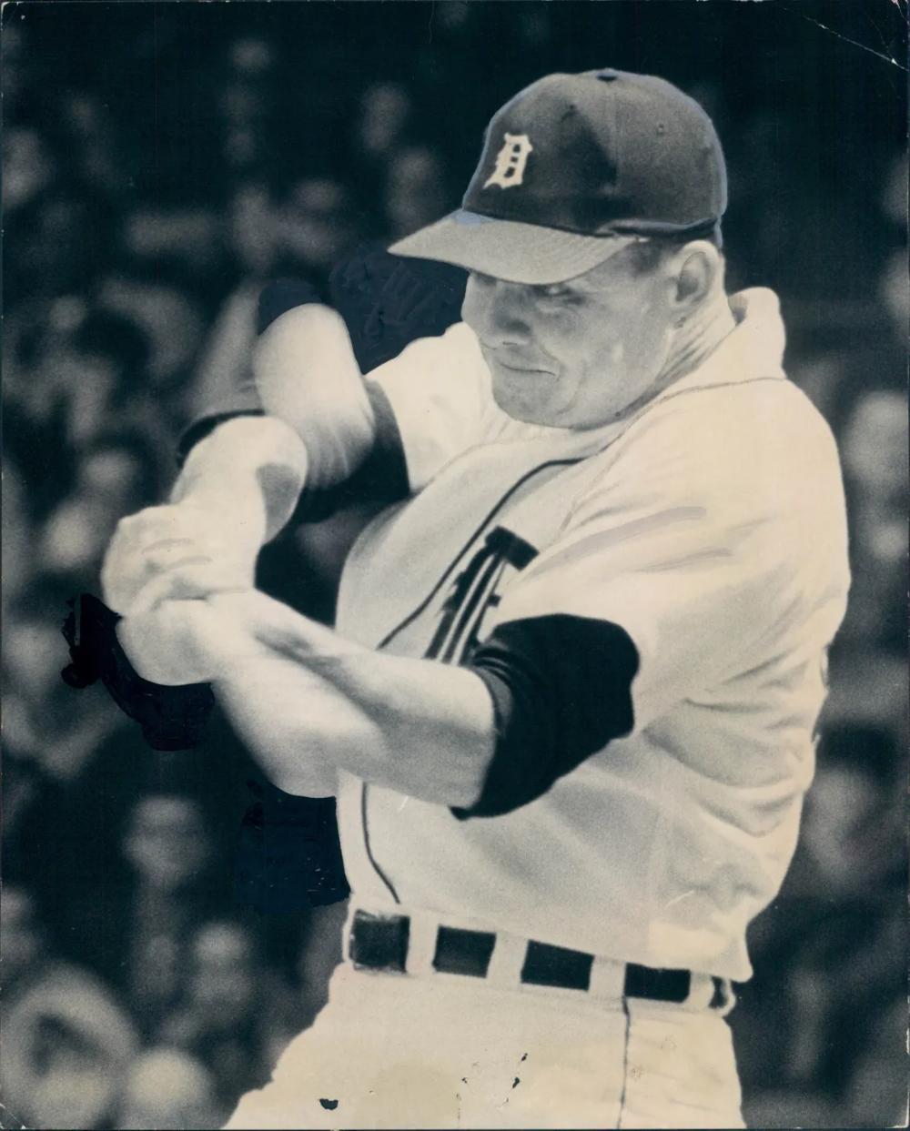 Ex Detroit Tigers Pitcher Don Mossi Dies At 90 Detroit Tigers Detroit Norm Cash