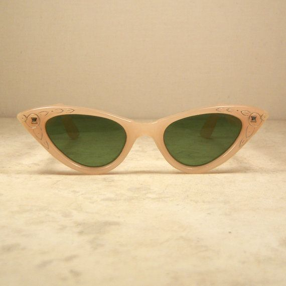 1950's Cat Eye Sunglasses Palest Pink