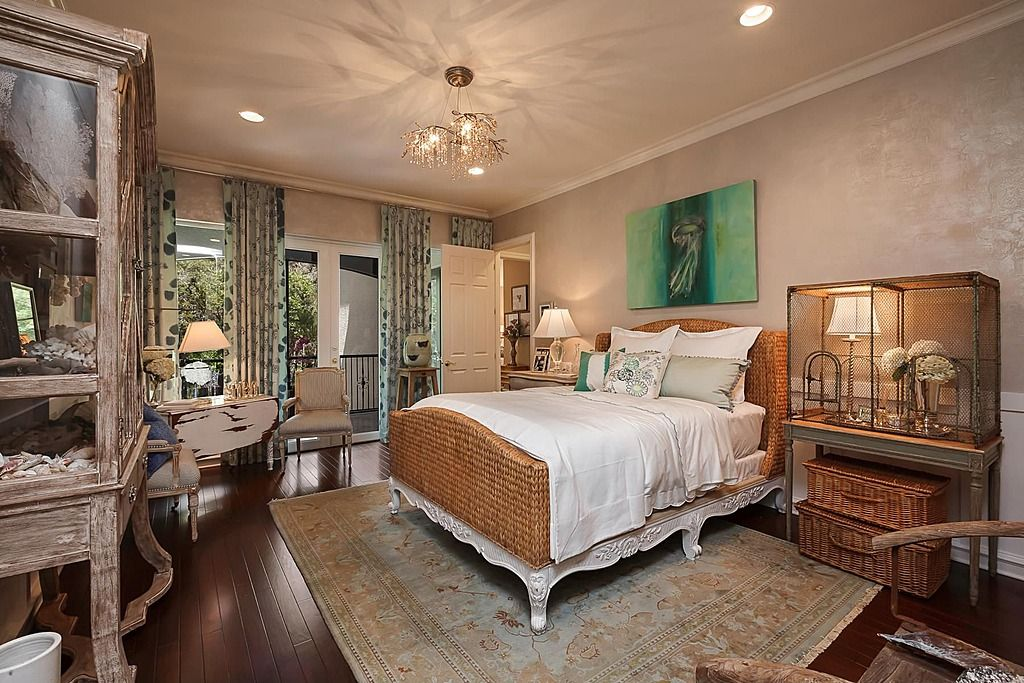 Hardwood, Wainscotting, Crown molding, Eclectic, Traditional, French, Balcony, Chandelier - love the paint