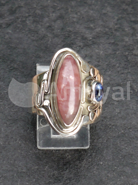 Sisterhood - Silver ring with  Rhodochrosite from Argentina and Sapphire from Myanmar