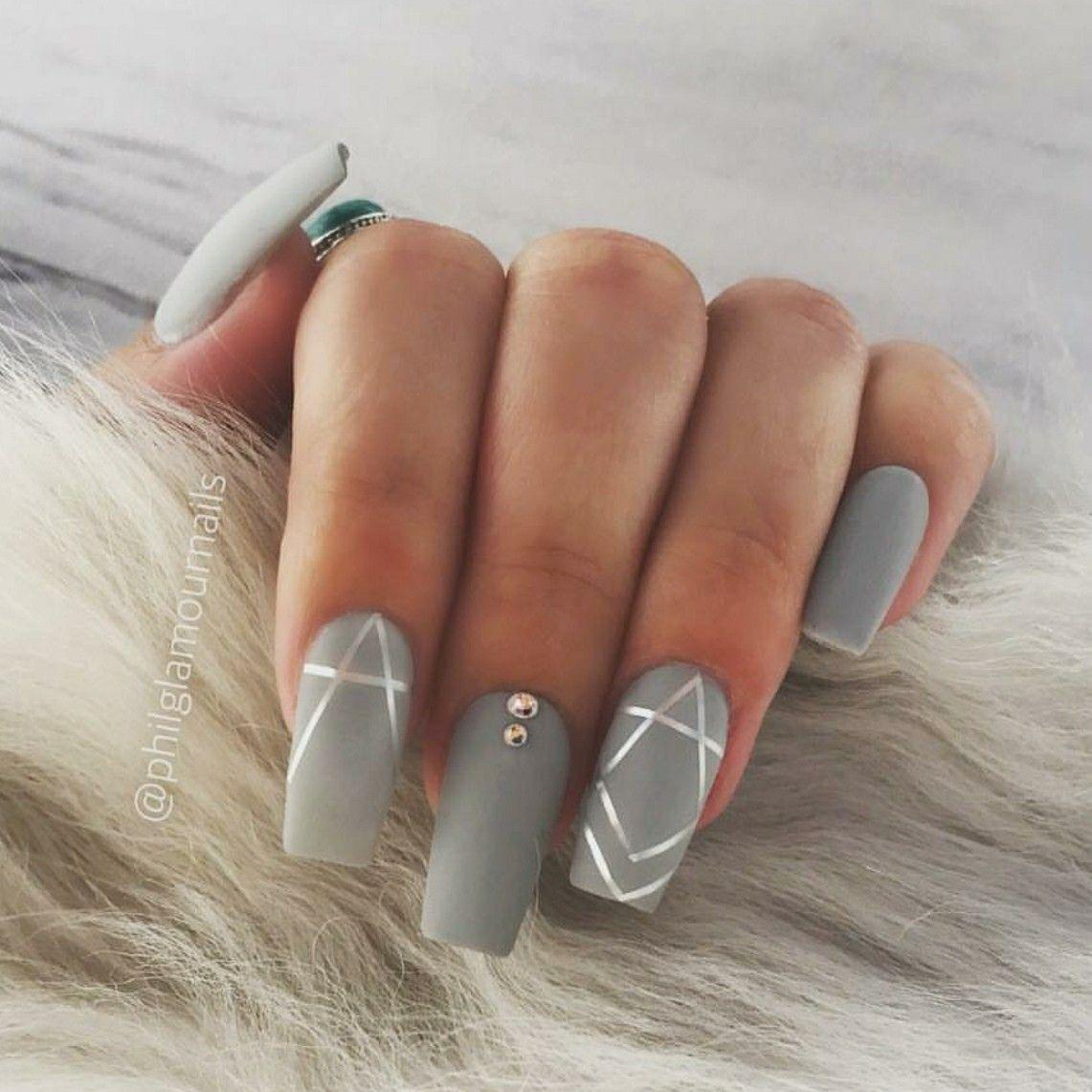 Matte Nails Gray Nails Gray And Silver Nails Acrylic Nails Square Nails Silver Nails Grey Acrylic Nails Gray Nails