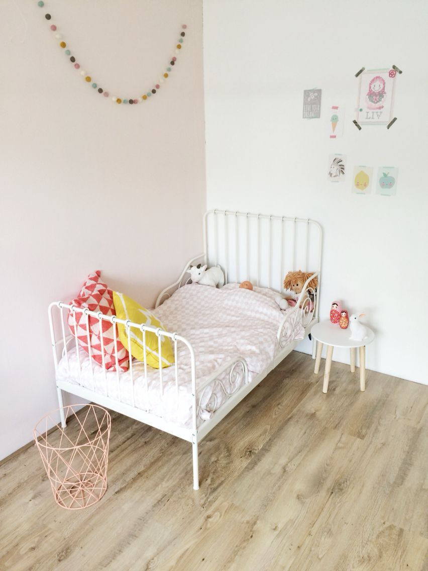 girlsroom pastel pink ikea bed minnen meidenkamer kidsroom kinderkamer kinderzimmermadchen. Black Bedroom Furniture Sets. Home Design Ideas