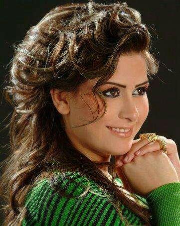 Gut aussehende arabische Frauen