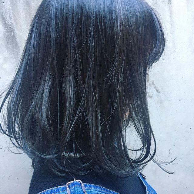 ダークブルー 黒染めまで色落としたいけどカラーを楽しみたい って