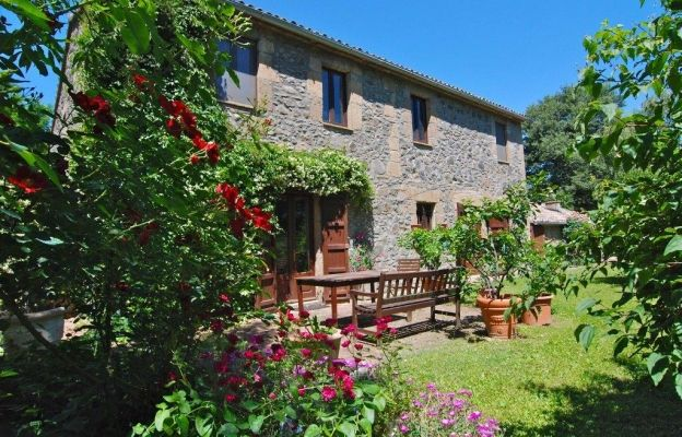 7 Dream Country Homes For Sale in Central Italy Restored